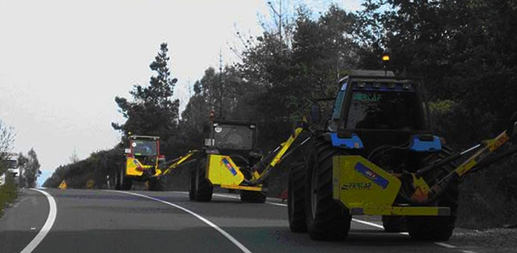 fertaf-tractores-limpiando-carreteras-740x363